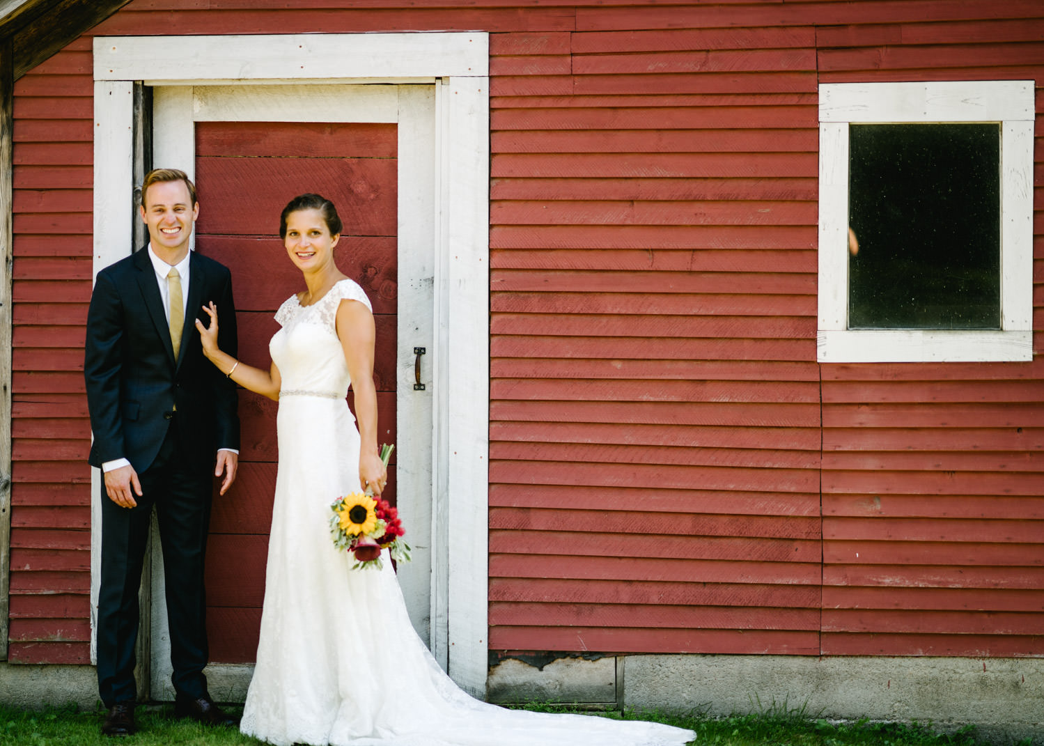 vermontbarn_destinationweddingphotographer_austendiamondphotography-1
