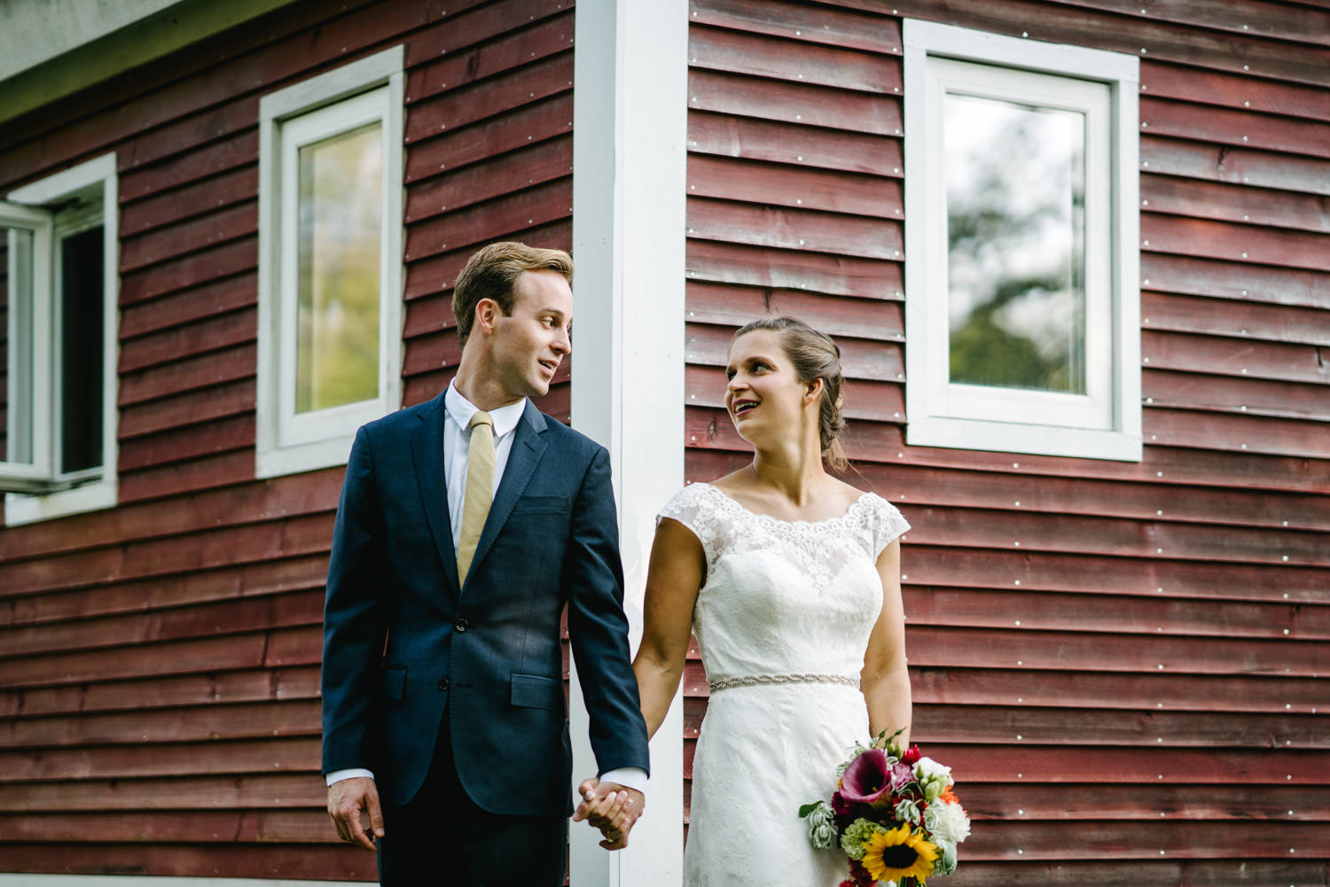 vermontbarn_destinationweddingphotographer_austendiamondphotography-3
