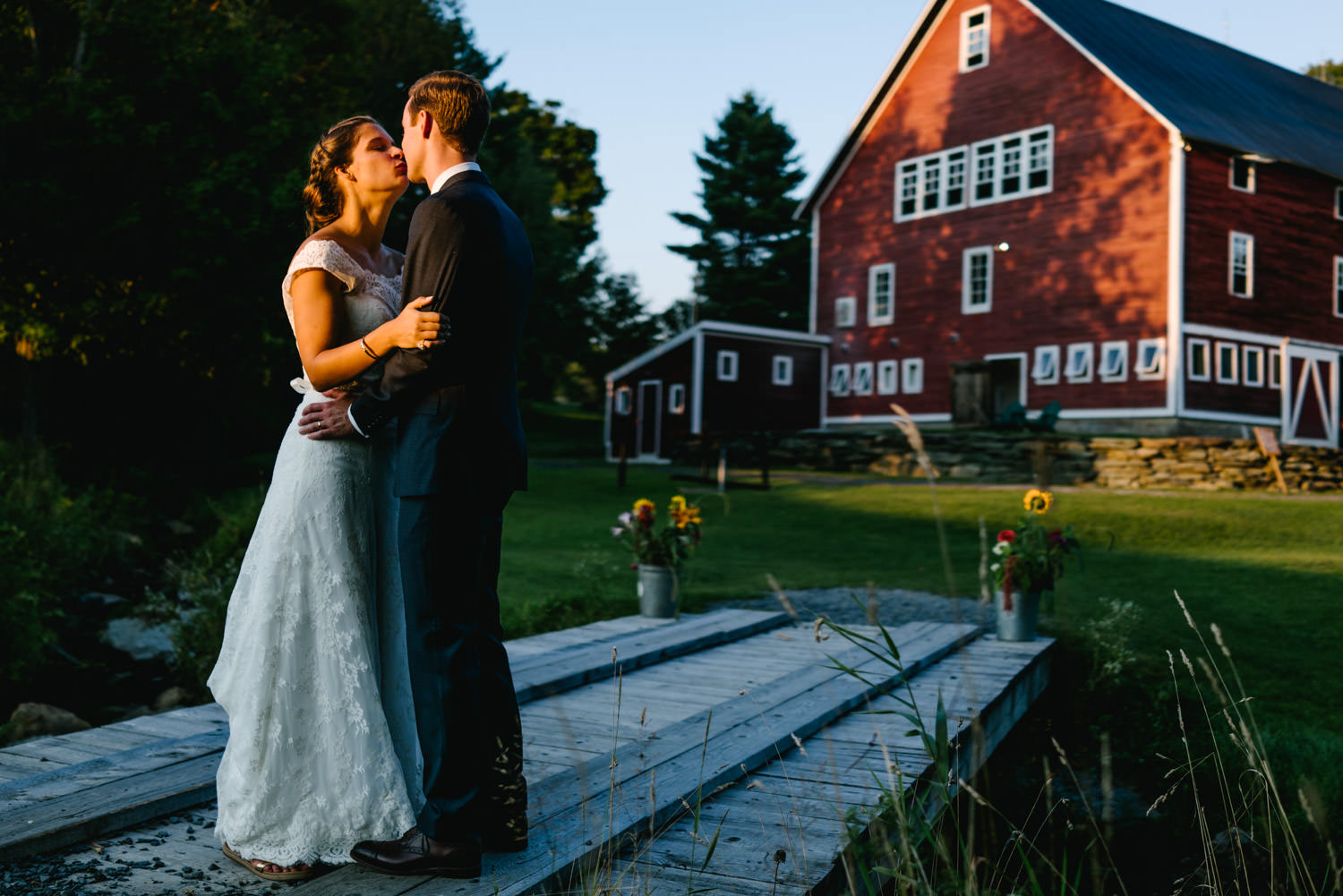 vermontbarn_destinationweddingphotographer_austendiamondphotography-8