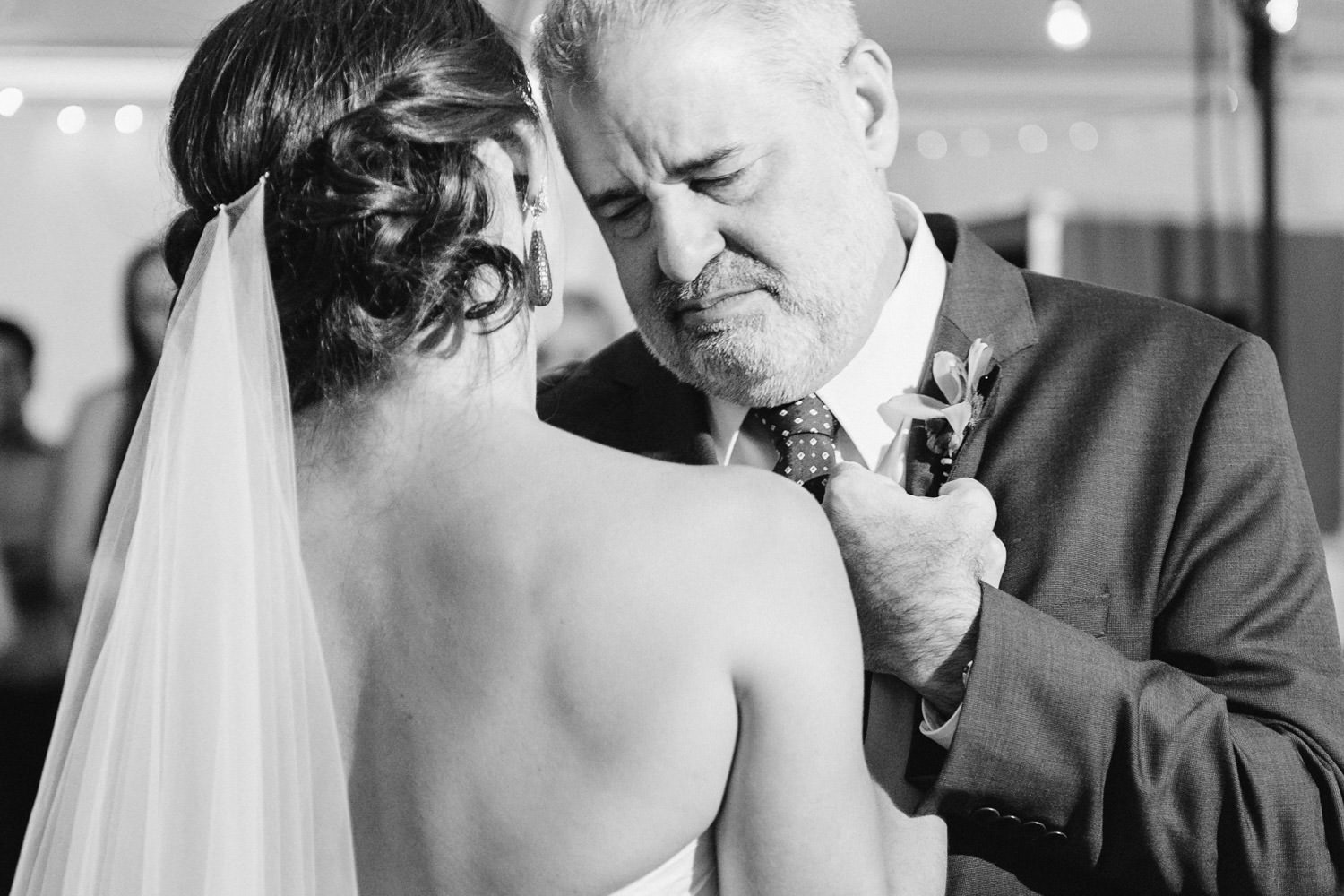 Red Pine Lodge father daughter dance wedding photo