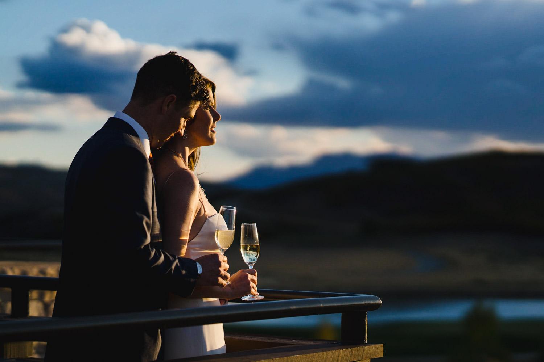 Tuhaye Golf Club Wedding newlyweds watching the sunset photo