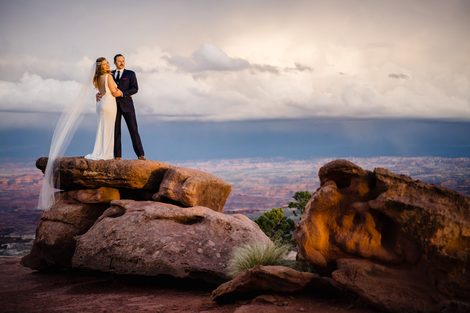 Canyonlands National Park Wedding newlyweds posing photo