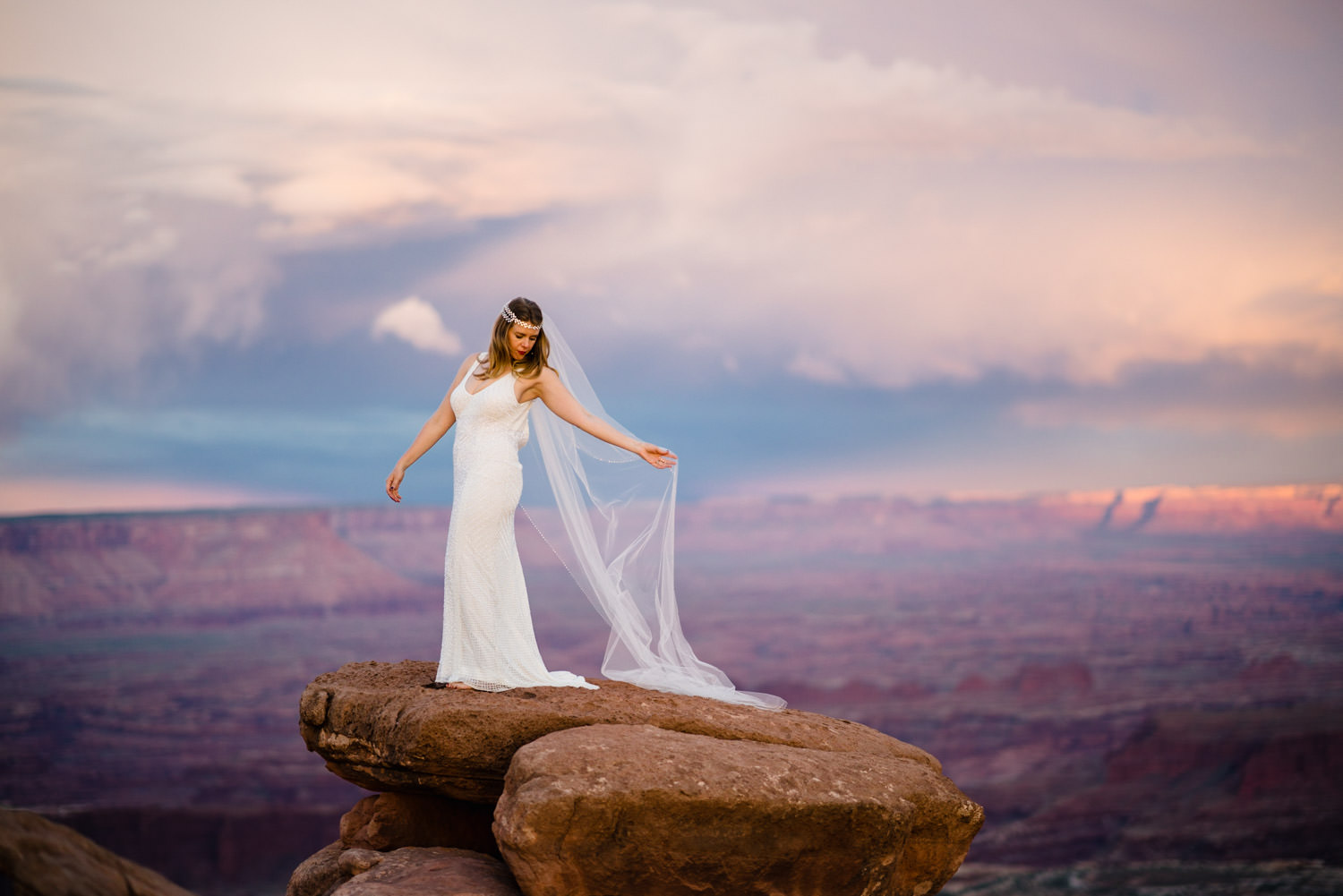 Canyonlands National Park Wedding bridal photo