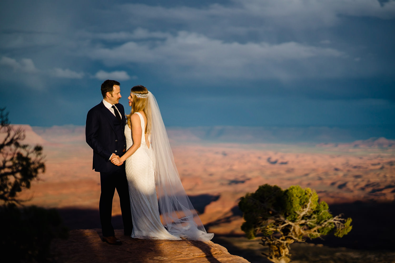 Canyonlands Wedding bride and groom smiling photo