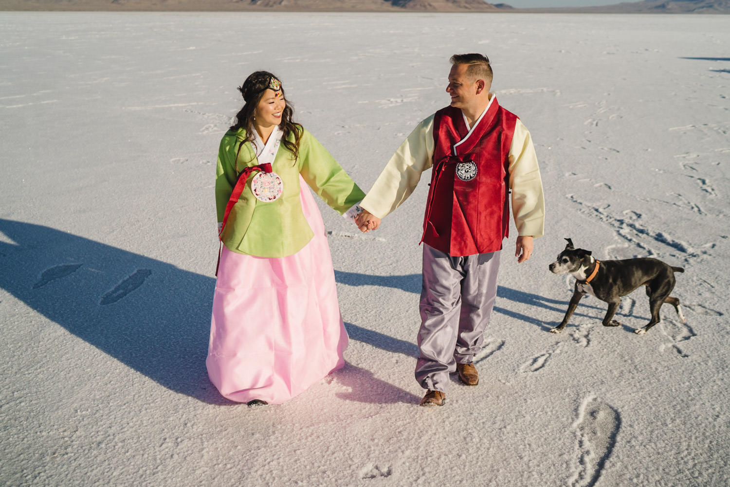 Bonneville Salt Flats wedding couple embracing Korean influence photo