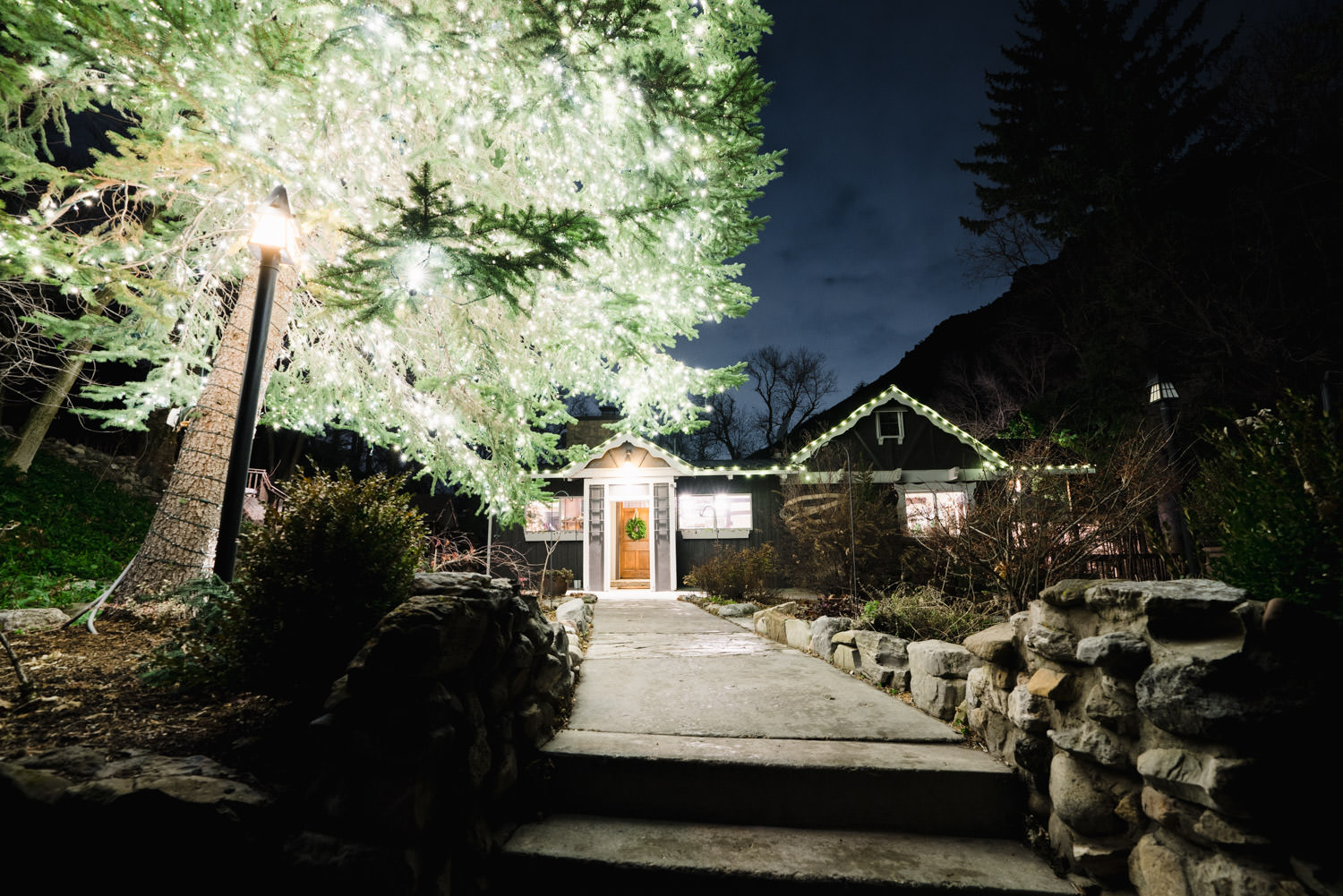 Millcreek Inn wedding lit-up inn entrance photo