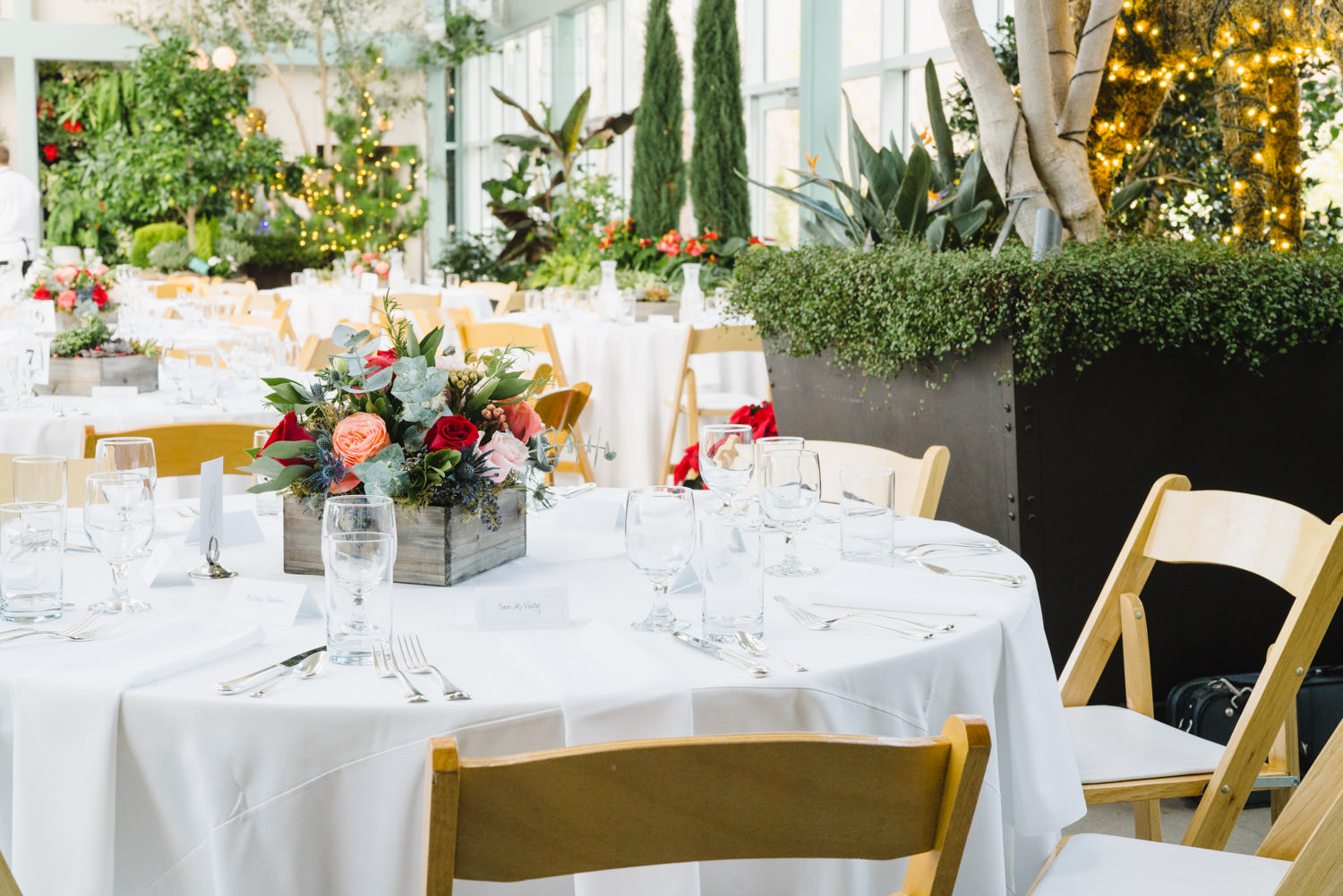 Red Butte Garden wedding reception dining table photo