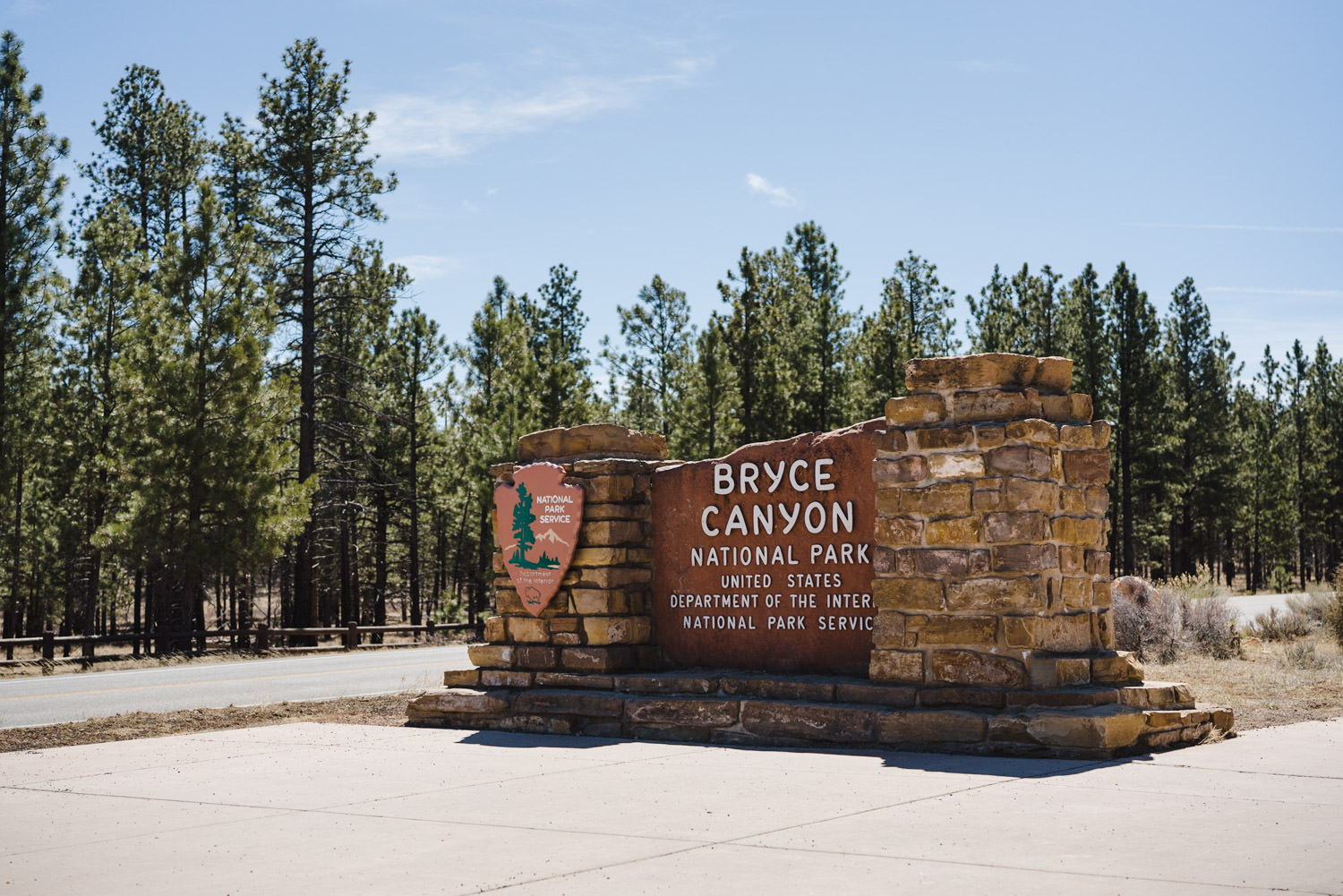 Bryce Canyon elopement national park entrance photo