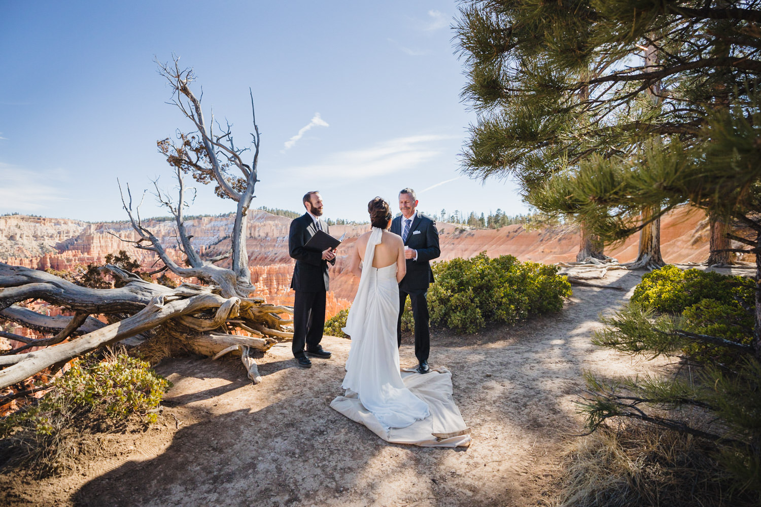 Bryce Canyon elopement with Canyon Rim ceremony photo