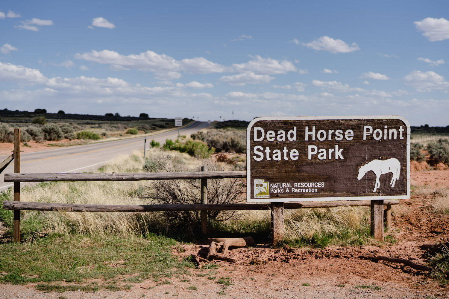 Dead Horse Point elopement state park sign photo