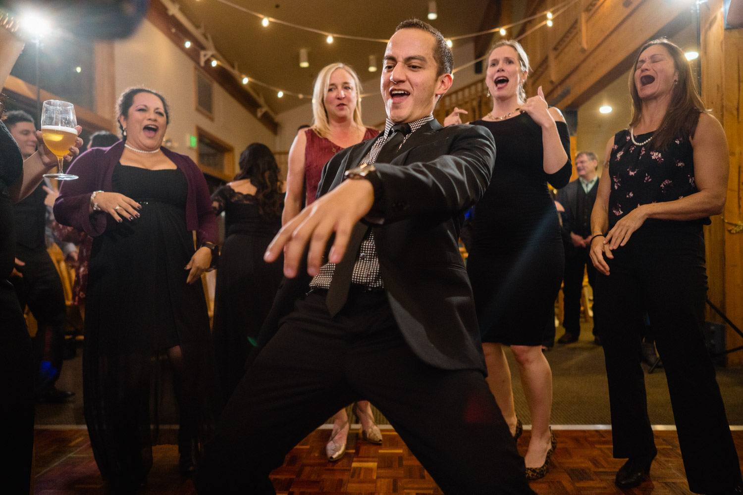 guests dancing utah fall wedding solitude